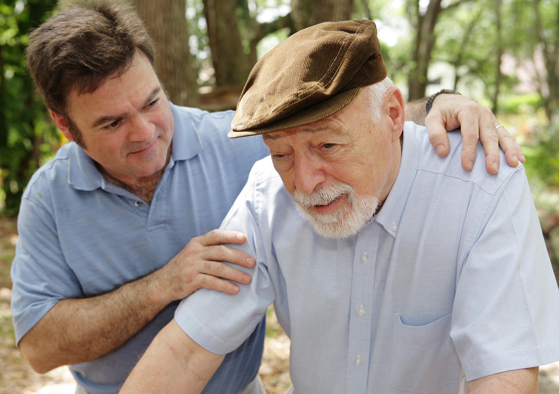 опекунство над пожилым человеком 80