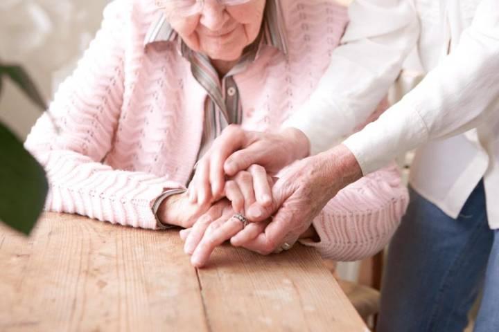 оформить опекунство над пожилым человеком